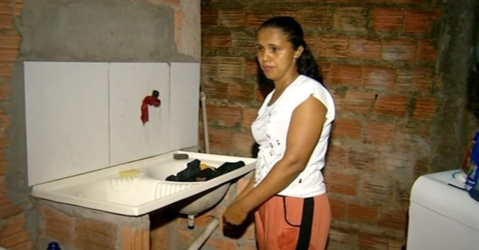 No Tocantins moradora é picada por aranha enquanto lavava roupas em residência — Foto: Reprodução/TV Anhanguera