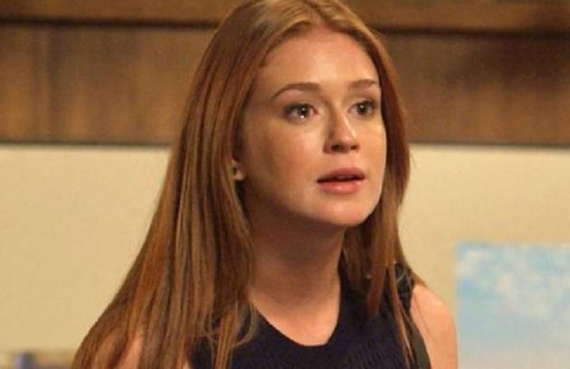 Na quarta (12), irada após descobrir a aposta, Eliza (Marina Ruy Barbosa) irá embora da casa de Arthur (Fabio Assunção) (Foto: TV Globo)
