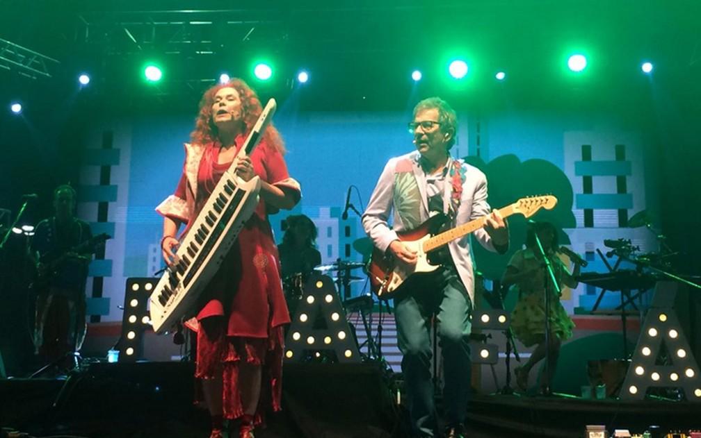 Dupla do Palavra Cantada durante show no Anhangabaú, na Virada Cultural — Foto: Rafaela Putini/G1