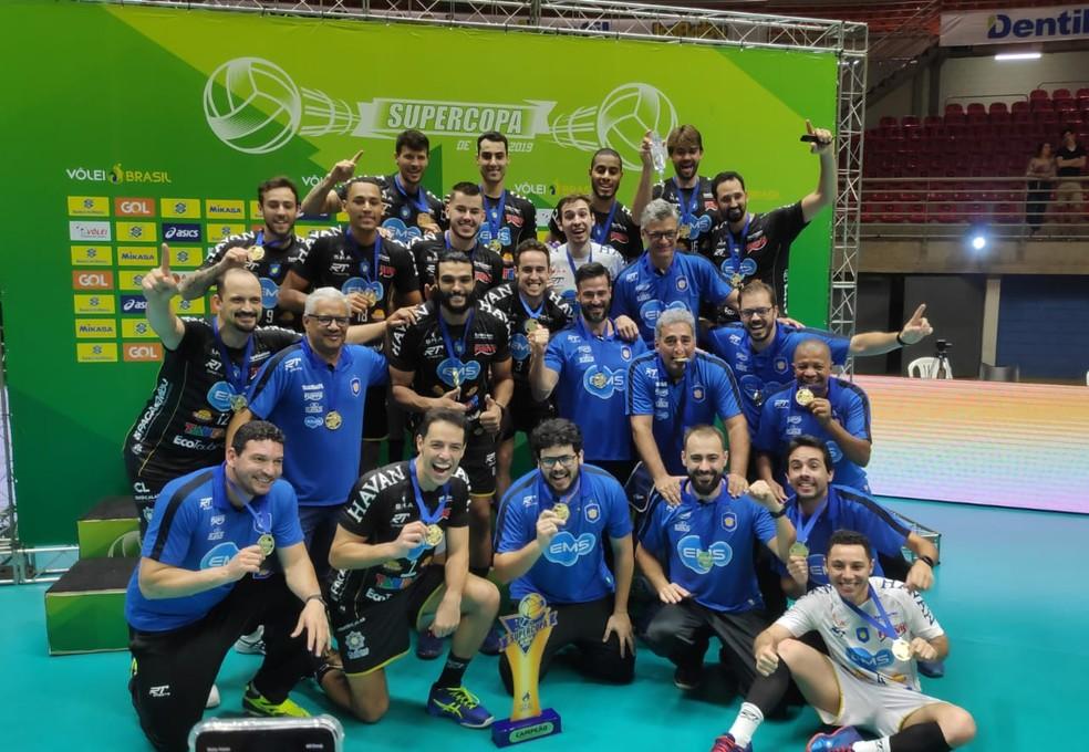 Vôlei Taubaté conquistou o título da Supercopa — Foto: Filipe Rodrigues/GloboEsporte.com
