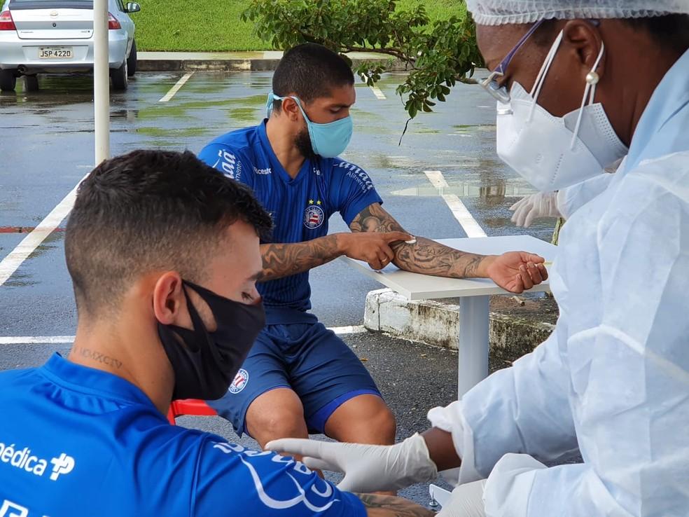 Após a realização dos testes, Bahia recebeu resultados como se tivessem sido feitos pelo SUS — Foto: Divulgação/E.C. Bahia