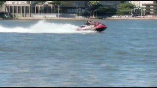 Marinha busca piloto de moto aquática que faz manobras arriscadas em SP