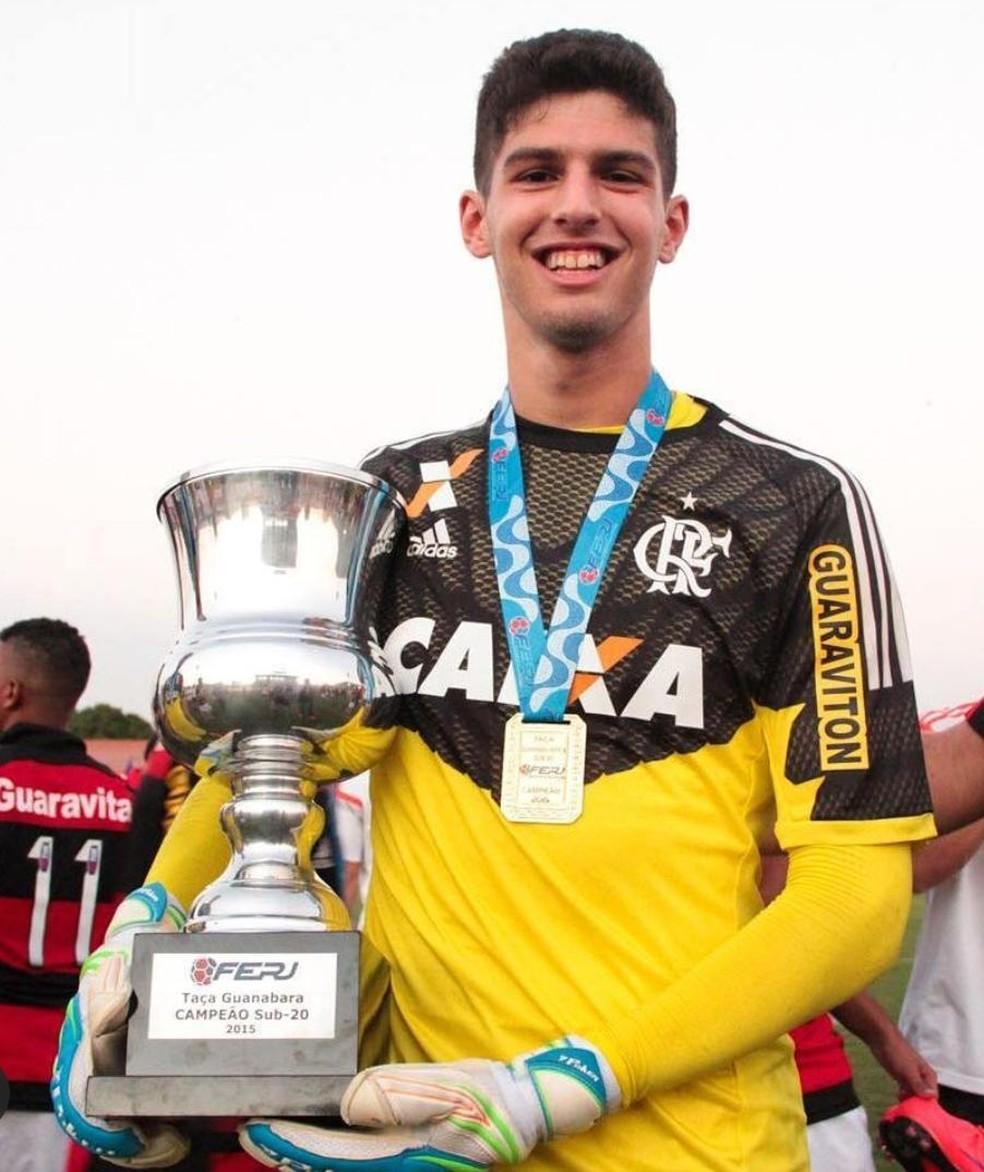 O jovem Daniel em um dos títulos conquistados na base do Flamengo — Foto: Divulgação/Flamengo
