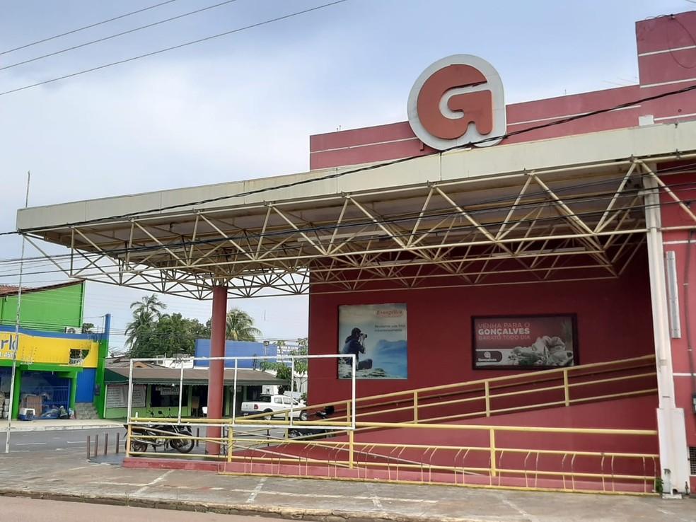 Grupo Nova Era ofereceu R$ 6,3 milhões pelo prédio onde funcionou o Supermercado Gonçalves na Avenida Abunã — Foto: G1