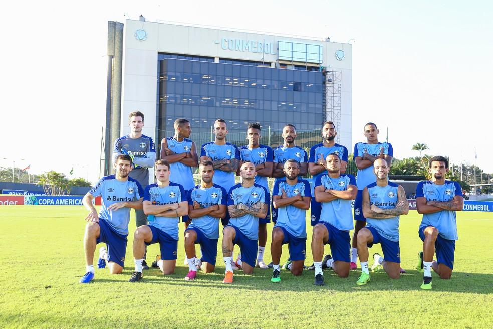 Grêmio treinou na quarta-feira no campo da Conmebol, em Assunção — Foto: Lucas Uebel / Grêmio F.B.P.A.