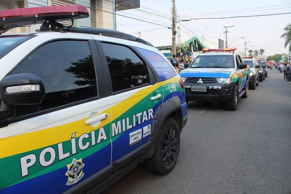 Viaturas da Polícia Militar participam de desfile cívico durante comemorações ao 7 de setembro em Ji-Paraná.  (Foto: Gedeon Miranda/G1)