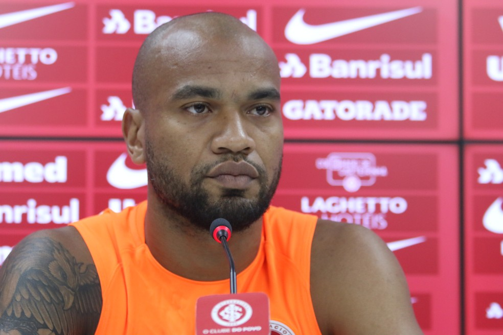 Moledo pede Inter mais aguerrido para enfrentar o Goiás — Foto: Eduardo Deconto