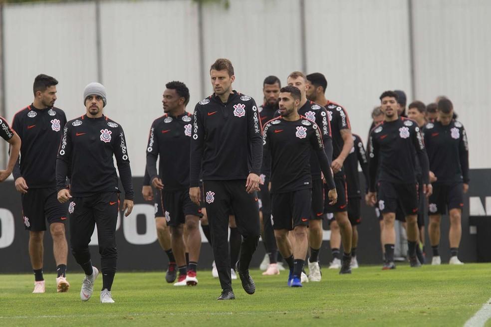 Elenco do Corinthians treina para duelo contra o Bahia: cara de decisão — Foto: Daniel Augusto Jr/Ag. Corinthians