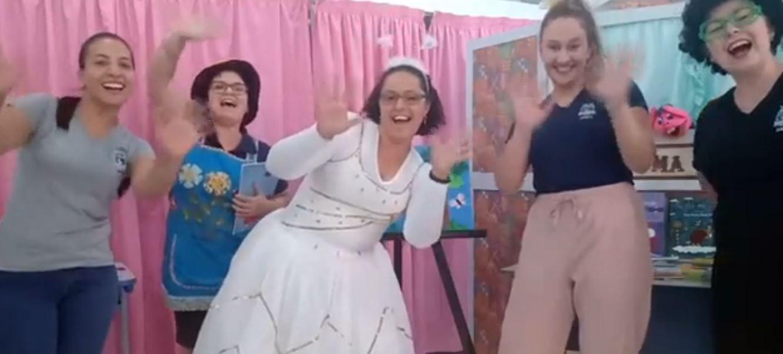 Professores criam projeto de contação de histórias em lives para crianças em quarentena, em Foz do Iguaçu; ASSISTA