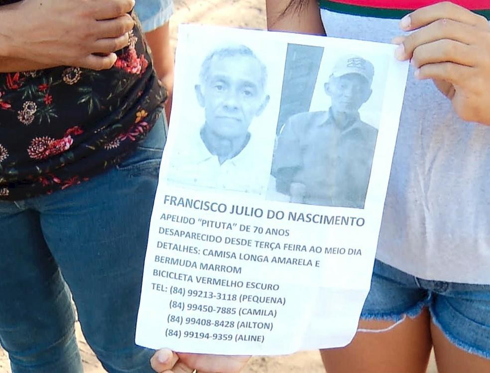 Familiares espalharam cartazes com fotos e informações sobre o idoso desaparecido  (Foto: Reprodução/Inter TV Cabugi )