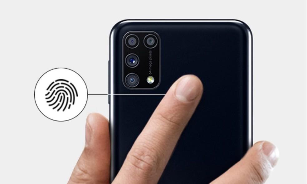 Galaxy M31 tem leitor de impressão digital na traseira  — Foto: Reprodução/Samsung