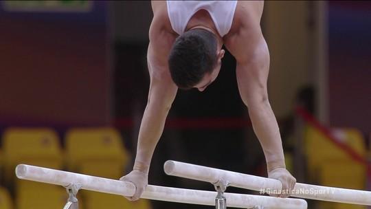 Lucas Bittencourt se apresenta nas barras paralelas