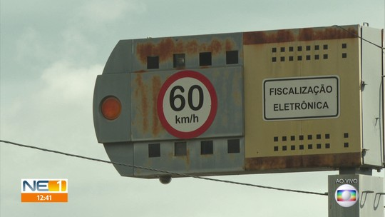 Setenta lombadas eletrônicas são desligadas por causa de fim de contrato em Pernambuco