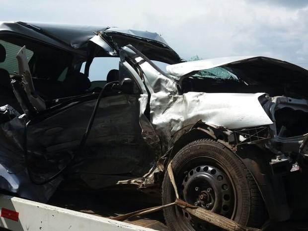Uma pessoa morreu e quatro ficaram feridas em Boituva (Foto: Cláudio Nascimento/TV TEM)