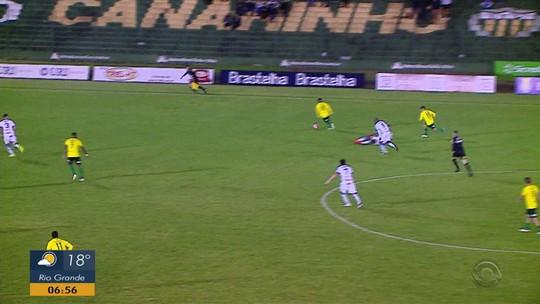 Ypiranga vira nos acréscimos e sai na frente do Esportivo na final da Divisão de Acesso