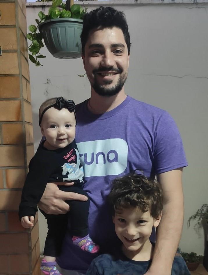 Dia dos Pais: pandemia altera rotina de quem já estava acostumado em trabalhar em casa em Uberlândia