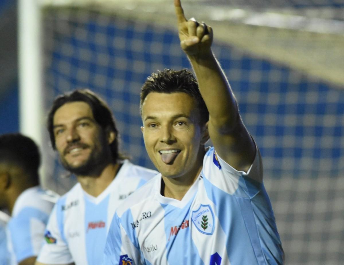 Um gol a cada 35 minutos  Dagoberto assume papel de artilheiro no Londrina   905ae67cbf4df