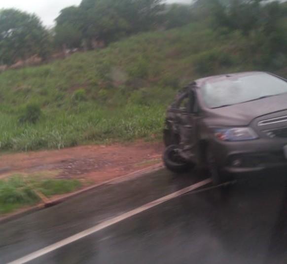 Dois acidentes em menos de uma hora deixam feridos na BR-393, em Três Rios - Notícias - Plantão Diário