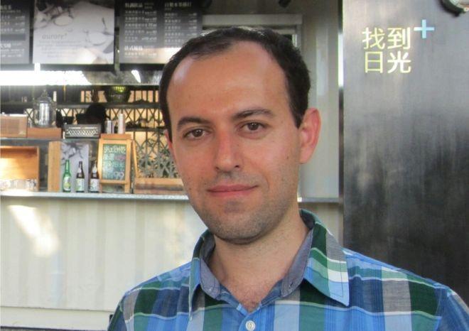 Caucher Birkar nasceu no Irã e hoje trabalha na Universidade de Cambridge (Foto: Uni Cambridge/Via BBC News Brasil)