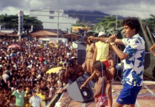 Zeca Pagodinho durante show na orla da Barra da Tijuca em janeiro de 1987