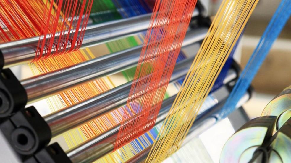 Resíduos de indústrias têxteis devem ser devidamente tratados antes de descartados e o corante remazol amarelo é comumente encontrado em águas residuais na Paraíba — Foto: Reprodução/Revista Analytica