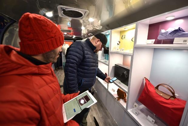 Com automação e touchscreens, a experiência de compra no futuro próximo pode ser bem diferente  (Foto: Getty Images)