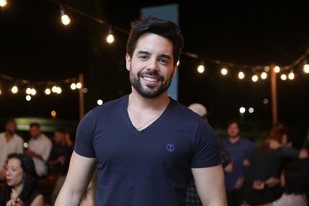 Pedro Carvalho vai interpretar Abel, em 'A Dona do Pedaço', o confeiteiro da fábrica de bolos de Maria da Paz — Foto: Isabella Pinheiro/Gshow