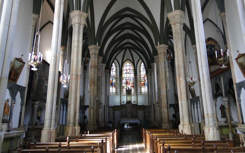 No Santuário do Caraça, igreja foi construído em estilo neogótico — Foto: Raquel Freitas/G1