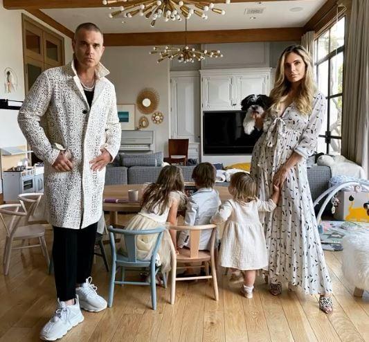 Ayda Field e Robbie Williams e os filhos (Foto: Instagram)