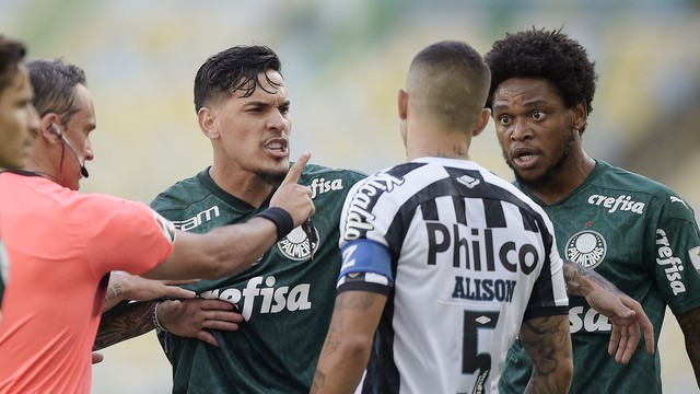 Gustavo Gómez, Luiz Adriano e Alison em Palmeiras x Santos