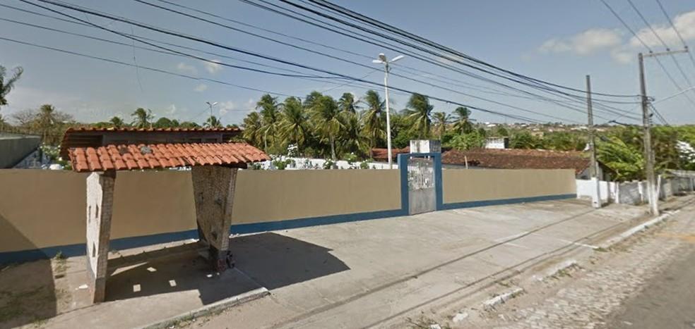 Morador de rua foi executado próximo ao Cemitério Municipal de São Gonçalo do Amarante, na Grande Natal — Foto: Google