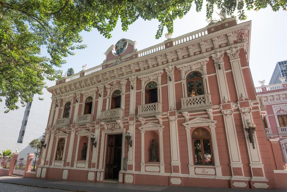 FCC divulga horários de funcionamento de museus, teatro e biblioteca em SC    Santa Catarina   G1