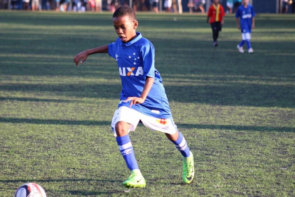 Estevão Willian veste a camisa 10 no Cruzeiro (Foto: Reprodução)