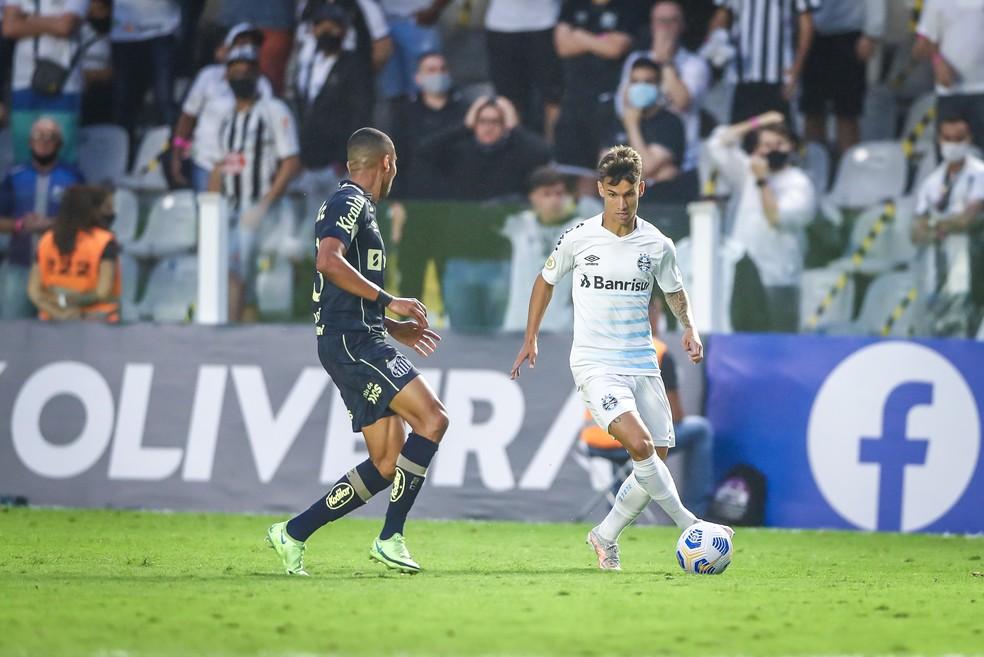 Ferreira é um dos 10 pendurados do Grêmio para o jogo contra o Fortaleza — Foto: Lucas Uebel/DVG/Grêmio