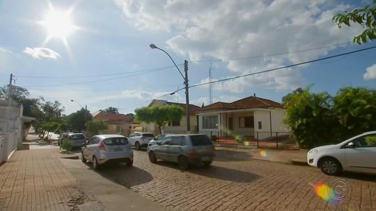Moradores de Bocaina questionam projeto para retirar paralelepípedos do Centro Histórico