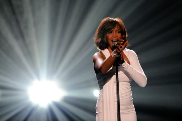 Whitney Houston durante uma apresentação em 2009 (Foto: Getty Images)