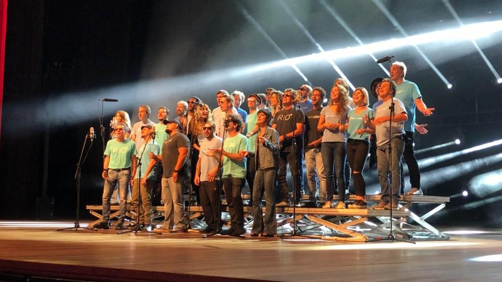 Artistas se reúnem para a iniciativa 'Rio, Desistir Jamais' e gravam música (Foto: Carlos Brito/G1)
