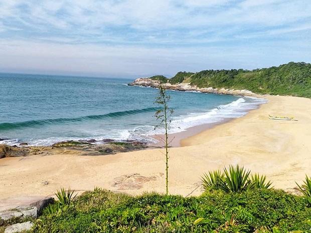 Praia do Pinho, em Balneário Camboriú, em Santa Catarina (Foto: Reprodução/Instagram)