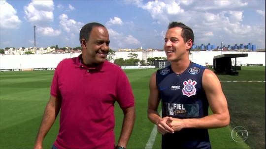 """Rodriguinho admite queda e entende críticas no Corinthians: """"Acaba sobrando"""""""