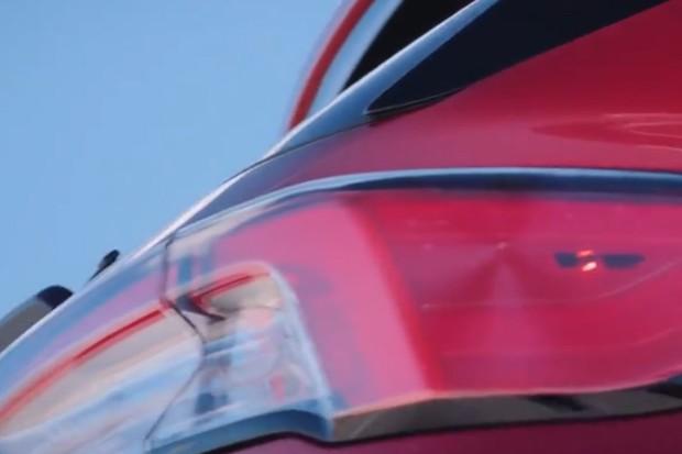 Lanternas do Ford Escape têm o jeito tridimensional do novo Focus (Foto: Divulgação)