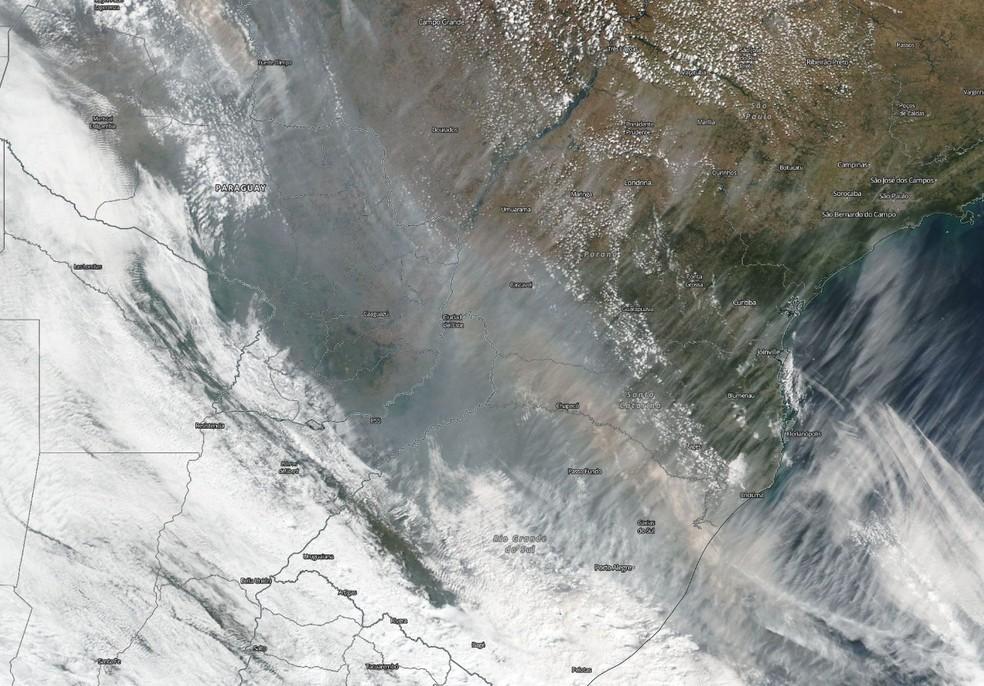 Fumaças foram registradas em Santa Catarina nesta terça e quarta-feira — Foto: Reprodução/ NSC TV