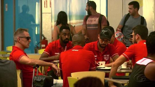 Fernandes estuda alterações no time do CRB: lateral vai ser improvisado