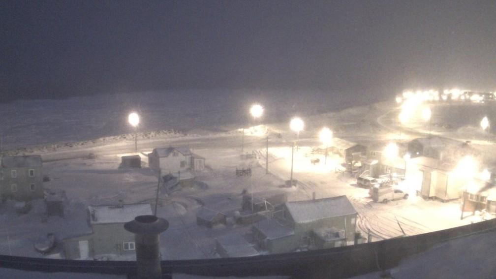 O fenômeno conhecido como noite polar se refere a regiões que passam mais de 24 horas sem ver a luz do sol — Foto: University of Alaska Fairbanks