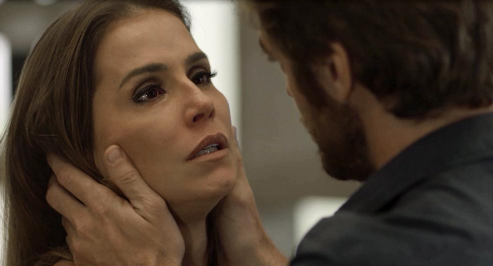 Beto deixa a esposa emocionada com declaração de amor (Foto: TV Globo)