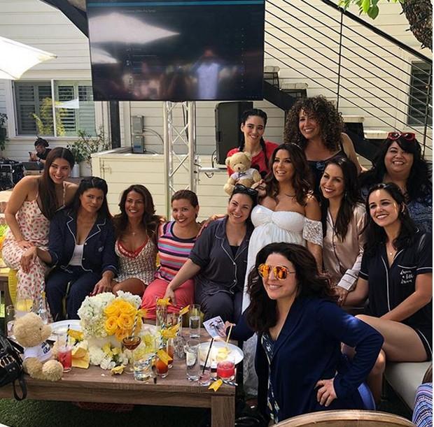 Eva Longoria e amigas (Foto: Reprodução)