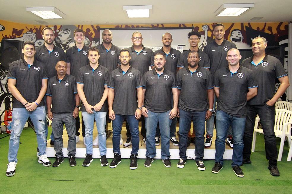 Apresentação do time de basquete do Botafogo em julho de 2019 — Foto: Vitor Silva/Botafogo