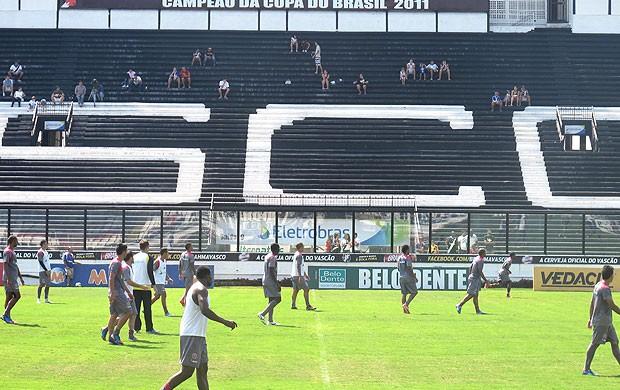 jogadores treino Vasco São Januário (Foto: André Casado / Globoesporte.com)