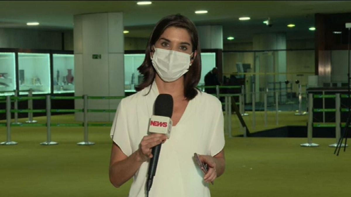 Guedes discute desoneração da folha com relator do projeto thumbnail