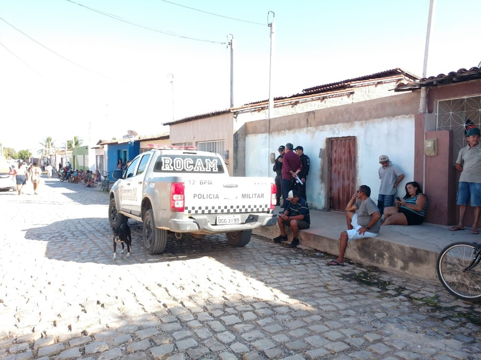 Crime aconteceu na Avenida Antônio Filgueira, no início da manhã desta quinta-feira (29) — Foto: Hugo Andrade/Inter TV Costa Branca