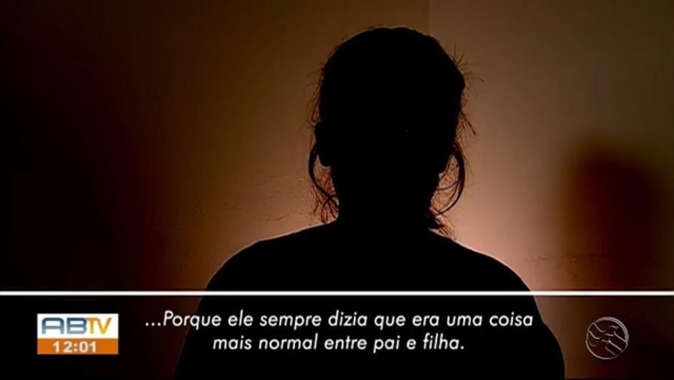 Jovem foi vítima de estupro dentro de casa e o pai foi preso pelo crime, em Caruaru — Foto: TV Asa Branca/Reprodução